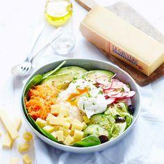 Un buddha bowl vitaminé par Gruyère AOP Suisse Healthy Menu, Healthy Drinks, Healthy Recipes, Healthy Foods, Healthy Life, Batch Cooking, Easy Cooking, Bacon Cheese Fries, Plats Healthy