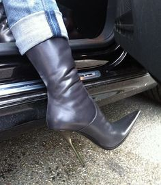 visit to friends - Rosina in grey GML boots | Rosina's Heels | Flickr