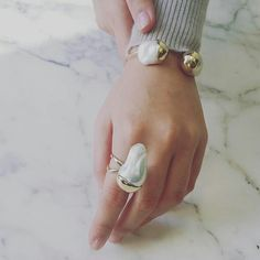 Whether for fashion reasons or to impress others, people love wearing jewelry. But how do you know if you are getting the most of your jewelry collection? Cute Jewelry, Bling Jewelry, Pearl Jewelry, Jewelery, Casual Rings, Baroque Pearls, Pearl Ring, Crystal Bracelets, Jewelry Trends