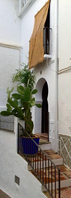 Fachada andaluza. Torrox (Málaga) Spain, Rural Area, Natural Materials, Recycling, Minimalist, Cities, Architecture, Sevilla Spain, Spanish