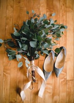 a simple eucalyptus wedding bouquet with a blush ribbon wrap Eucalyptus Bouquet, Eucalyptus Wedding, Eucalyptus Leaves, Simple Bridesmaid Bouquets, Bohemian Bridesmaid, Bride Bouquets, Greenery Bouquets, Flower Bouquets, Ideas