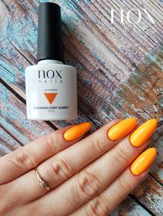 W czerwcu u nas niepodzielnie rządzi Pomarańczowy Sorbet 🍊, czyli żarówa 💡 w czystym wydaniu! A Wam jaki kolor z naszej oferty najbardziej kojarzy się z pierwszym miesiącem lata 🌞? Czy według Was pomarańczowe paznokcie to dobry wybór na lato? Manicure, Nails, Ig Story, Oval Shape, Sorbet, Almond, Make Up, Beauty, Nail Bar