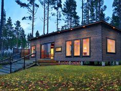 Haka Valmismökki – Salvos.fi Small Summer House, Cabin In The Woods, A Frame House, Island Design, New Builds, Cozy House, Home Projects, Beach House, 1
