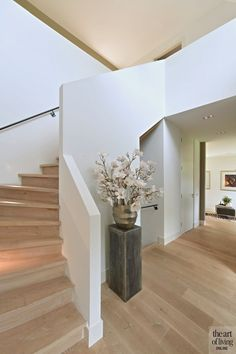 Inspiring techniques that we take great delight in! Wooden Staircase Design, Wooden Staircases, Stairways, Interior Architecture, Interior And Exterior, Iron Staircase, Modern Farmhouse Interiors, Vestibule, House Stairs