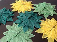 Origami Star/Snowflake decorations Christmas Origami, Christmas 2014, Christmas Ideas, Xmas, Origami And Kirigami, Origami Stars, Snowflake Decorations, Christmas Decorations, Christmas Ornaments