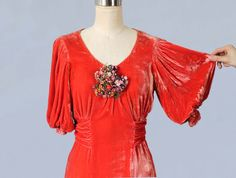 RESERVIERTE 1930er Jahre Kleid / 30 s NRA Label flüssige Seide Velvet Dress / erstaunlich Sleeves / Floral Cluster / Bright Koralle Orange