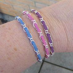 Armband mit Gliederkette und Veloursband - Steinperlenwelt-Blog