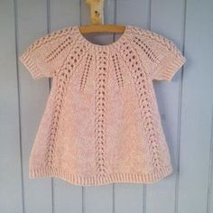 Seraphina Sweater And Dress - English - Diy Crafts - hadido Girls Knitted Dress, Knit Baby Dress, Knitted Baby Clothes, Baby Cardigan, Knitting For Kids, Baby Knitting Patterns, Baby Patterns, Knitting Yarn, Knitting Projects