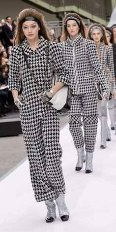 Chanel SS 2017 Fashion Show & more details
