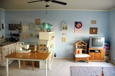 Dee's Dual Craft & Playroom — My Playroom | Apartment Therapy