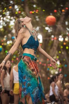 hippie So it at last occurred! You need to experiment with boho chic outfit, correct? On the off chance that you are in, at that point I are very brave the best bohemian style motivation thoughts for you, my lovely year, the boho-chic design is Hippie Style, Looks Hippie, Gypsy Style, Bohemian Style, Boho Chic, Bohemian Fashion, Style Fashion, Fashion Top, Fashion Spring