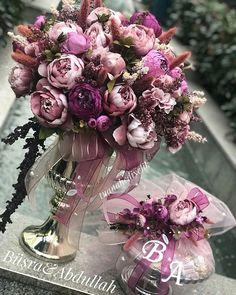İstanbul dan Adapazarı na söz çiçeği ve çikolatası çalışmamız.. Gökçe ve Engin çiftine sonsuz mutluluklar diliyoruz. #istanbul#adapazarı#sözçikolatası #sözçiçeği#bahargelini #feeforje #sunum #kuşluferforje #sepet#pastelsever#pastelaşkı#tuanahediyelik #çiçekaranjman#kızisteme#nişançiçeği#nişançikolatası#vakko#pelit#bursa#aranjman#yapayçiçek#yapaycicek#bohça#çeyiz#gelinevi