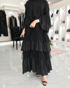 received it on Friday - Style Evening Dresses Abaya Fashion, Muslim Fashion, Modest Fashion, Fashion Dresses, Abaya Designs Latest, Abaya Designs Dubai, Abaya Dubai, Abaya Mode, Black Abaya