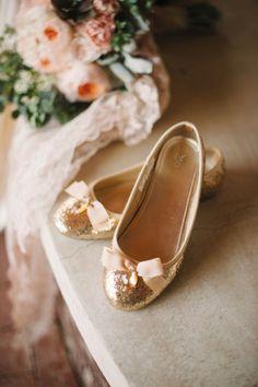 Chaussuresde mariée : osez le plat!