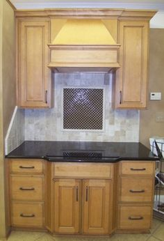 Kicked Out Of It's Showroom Home, These Cabinets & Countertops Are For Sale! Only $1000 Including The Absolute Black Granite!