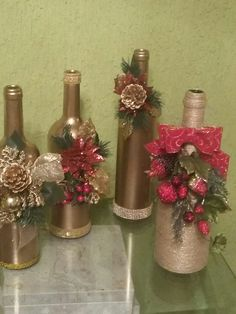 1 million+ Stunning Free Images to Use Anywhere Glass Bottle Crafts, Wine Bottle Art, Deco Table Noel, Christmas Wine Bottles, Wine Craft, Theme Noel, Christmas Decorations, Christmas Ornaments, Mason Jar Crafts