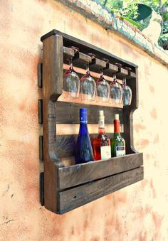 Click the link to read more about Pallet Upcycling Diy Pallet Projects, Wood Projects, Vin Palette, Palette Wine Rack, Rustic Wine Racks, Glass Holders, Wine Storage, Record Storage, Wood Pallets