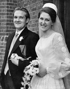1966 - Charles Duncombe, Baron Feversham and Shannon Foy Wedding on 12 September 1966 1960s Wedding Dresses, Wedding Gowns, 1970s Wedding, Wedding Ceremony, Wedding Flowers, Old Wedding Photos, Royal Weddings, Vintage Weddings, Mother Of The Groom Gifts