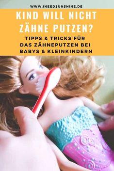Kind will nicht Zähne putzen? Tipps & Tricks von anderen Müttern. Eltern teilen ihre Erfahrungen wie das Zähneputzen bei Babys und Kleinkindern doch klappen kann, wenn die Kinder nicht Zähne putzen möchten. Warum Zwingen keine Option ist, wie oft Kinder Zähne putzen sollen und was man tun kann, wenn das Kind nicht Zähne putzen will. Alle Infos auf Mamablog www.ineedsunshine.de