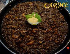Arroz negro de chipirones y langostinos. Ver receta: http://www.mis-recetas.org/recetas/show/32323-arroz-negro-de-chipirones-y-langostinos