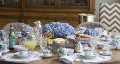 O azul acalma, conforta e tranquiliza. Para mim, o momento da refeição e muito importante ter esse clima. Aqui em casa sempre ensino as crianças a comerem prestando atenção no …