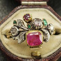 This covetable Georgian ring is known as a giardinetto/giardinetti (Italian for