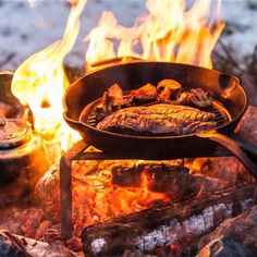 Famous and latest outdoor food collection. Outdoor Food, Outdoor Cooking, Outdoor Decor, Beef, Collections, Amazing, Meat, Cookout Food, Outdoor Kitchens