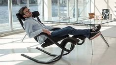 Zero Gravity Balans Chair by Varier Furniture #officechairs #coolofficegadgets #zerogravitychair #ergonomicchair #useful #coolstuff #coolthingstobuy