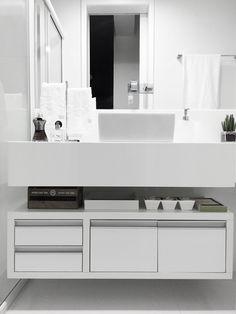 All White. Projeto: Oliveira Bidegain Arquitetura e Interiores.