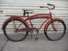 1940 Huffman built Western Flyer in original patina, has the scarace 3 rib zephyr long tank and red marble reflectors on the pedals. Bicycle Pedals, Old Bikes, Vintage Bicycles, Balloons, Bobbers, Rat Rods, Board, Nova, Marble