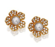 PAIR OF PEARL AND DIAMOND EAR CLIPS, BOUCHERON  Estimate:   14,000 - 20,000 CHF   Each of flower head design, set with a pearl bordered by brilliant-cut diamond petals, mounted in yellow gold,  signed Boucheron Paris, French assay marks.