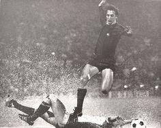 Johan Cruyff playing for Barcelona