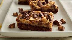 Reeses Peanut Butter Layer Bars -These gooey bars, made with Betty Crocker™ double chocolate chunk cookie mix, are our new favorite way to indulge whenever a peanut butter-chocolate craving strikes. Peanut Butter Chips, Reeses Peanut Butter, Peanut Butter Recipes, Baking Recipes, Cookie Recipes, Dessert Recipes, Bar Recipes, Picnic Recipes, Picnic Ideas