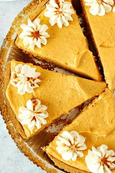 This No Bake Pumpkin Pie made with cream cheese and no gelatin is so much better than the heavy and dense classic version. This is the best no bake pumpkin dessert you will ever make! No Bake Pumpkin Cheesecake, No Bake Pumpkin Pie, Baked Pumpkin, Pumpkin Dessert, Pumpkin Pie Spice, Pumpkin Recipes, Healthy Pumpkin, Strawberry Desserts, Easy Desserts