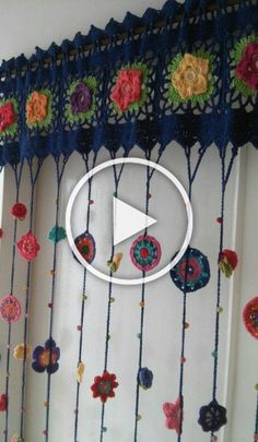 In this DIY tutorial, we will show you how to make Christmas decorations for your home. The video consists of 23 Christmas craft ideas. Crochet Curtain Pattern, Crochet Curtains, Curtain Patterns, Easy Craft Projects, Diy Crafts For Kids, Home Crafts, Easy Crafts, Large Christmas Baubles, Christmas Diy