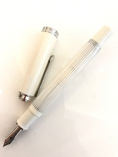 本日入荷 「スーベレーン605 ホワイトストライプ」 - KA-KU福岡店 万年筆・ボールペン スタッフのつぶやき