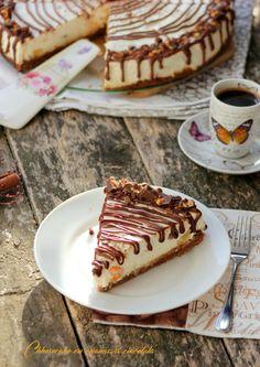 Cheesecake la rece, cu ananas si ciocolata Cheesecakes, Tiramisu, Biscuit, Waffles, Caramel, Food And Drink, Breakfast, Ethnic Recipes, Sticky Toffee