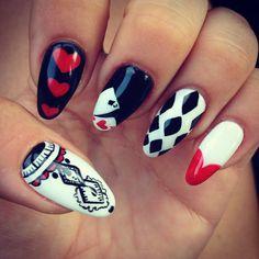 My nails August #nails #beautifulnails #heart #crazynails #blackandwhite #queenofheart #tiffanyestetica #twoofspades
