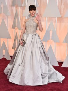 Felicity Jones. I so loved this dress! Definitely was one of my favorites of the dresses worn at the 2015 Oscars.