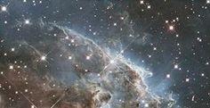 Telescopio espacial Hubble celebra su cumpleaños publicando una gran imagen espacial