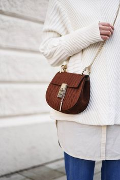 More on: fashiioncarpet.com   Streetstyle - Knit by Vila, blouse by edited, denim by zara, bag by chloé drew croco, sneaker by won hundred   #fashiioncarpet #ninaschwichtenberg