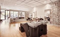 salon chic - Recherche Google Shampooing Sans Sulfate, Hair And Beauty Salon, Salons, Divider, Chic, Room, Furniture, Google, Home Decor