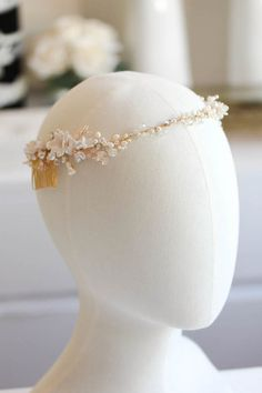 Garden Grandeur | A gold and champagne bridal headpiece for Alicia