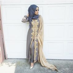 Elegant Muslim Pakistani Outfit Ideas For Eid Mubarak - Pakistanis are getting modern as far as their lifestyle is concerned. While the world has become a global village and the internet has made everything. Islamic Fashion, Muslim Fashion, Modest Fashion, Indian Fashion, Eid Outfits, Pakistani Outfits, Indian Outfits, Fashion Outfits, Hijabi Gowns