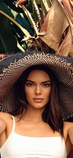 Kendall Jenner Face, Kendall Jenner Wallpaper, Kendall Jenner Photoshoot, Vogue Photoshoot, Vogue Fashion Photography, Photography Poses Women, Le Style Du Jenner, Ibiza, Jenner Family