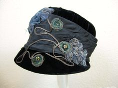 1920's velvet flapper cloche - black velvet w/ steel blue appliqué millinery band.