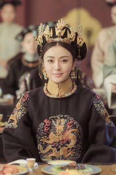story of yanxi palace Copacabana Palace, Chinese Bride, Beautiful Costumes, Chinese Clothing, Oriental Fashion, Qing Dynasty, Chinese Actress, Chinese Culture, Chinese Style