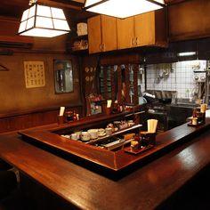 From Midnight Diner. I love this series. Ramen Bar, Ramen Restaurant, Outdoor Restaurant, Restaurant Interior Design, Cafe Interior, Kitchen Interior, Japanese Coffee Shop, Japanese Bar, Japanese House