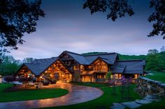 I can live here as Mrs Tony Stewart. Ha! Hey, a girl can dream. (Inside Tony Stewart's Indiana Log Home).