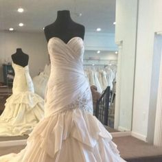 Custom #plussizeweddingdresses & replicas of couture gowns at low cost are possible at www.dariuscordell.com
